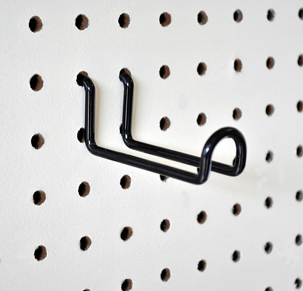 H-WH3_Three_Inch_Wide_Pegboard_Hook.jpg